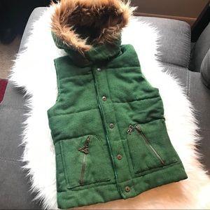 BB Dakota Cute Green Vest